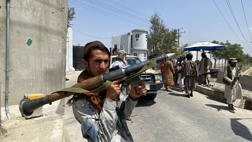Thousands Stranded After Taliban Block Off Kabul Airport, 'Near-Empty' Evac Flights Departing