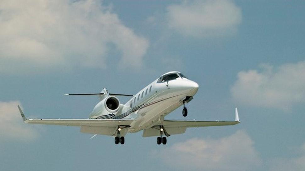 Lear Jet 60 Landing