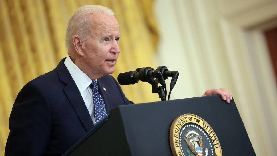 WASHINGTON, DC - SEPTEMBER 08: U.S. President Joe Biden speaks on workers rights and labor unions in the East Room at the White House on September 08, 2021 in Washington, DC. Biden spoke on the need to protect workers rights and the middle class.