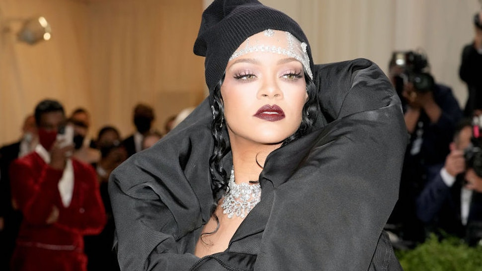 Rihanna Spotted Wearing Political T-Shirt In NYC: 'Think, While It's Still Legal'