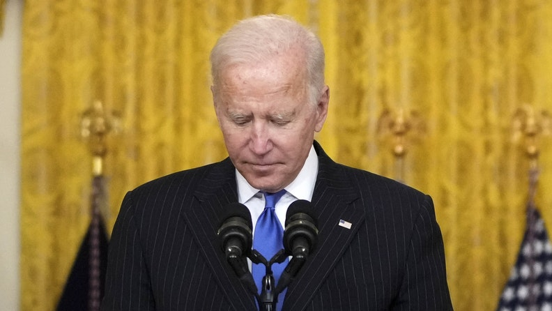 WASHINGTON, DC - OCTOBER 13: U.S. President Joe Biden pauses while speaking about supply chain bottlenecks in the East Room the White House October 13, 2021 in Washington, DC. With the holiday season approaching, President Biden announced that the Port of Los Angeles will begin to operate 24 hours a day in efforts to relieve the backlog in the supply chain that delivers goods to the United States. Americans have seen delays in a host of consumer goods, including electronics, cars, lumber, toys and more.