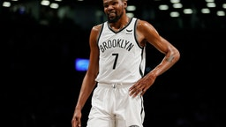 NEW YORK, NEW YORK - OCTOBER 14: Kevin Durant #7 of the Brooklyn Nets smiles during the first half against the Minnesota Timberwolves at Barclays Center on October 14, 2021 in the Brooklyn borough of New York City. NOTE TO USER: User expressly acknowledges and agrees that, by downloading and or using this photograph, user is consenting to the terms and conditions of the Getty Images License Agreement. (Photo by Sarah Stier/Getty Images)